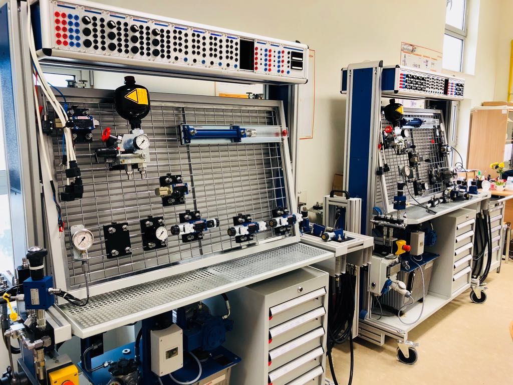 Hydraulic And Pneumatic Systems Laboratory German